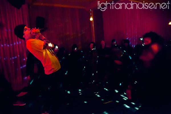 <div class='info-header'>Photographer</div> <a href='http://www.lightandnoise.net/' target='_blank'>Alistar Wickens</a>