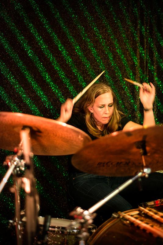 <div class='info-header'>Photographer</div> <a href='http://www.daniellecaddy.com' target='_blank'>Danielle Caddy</a>